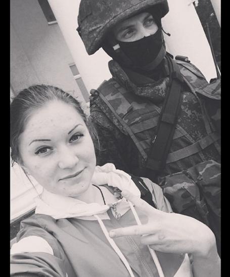 selfie soldier crimea